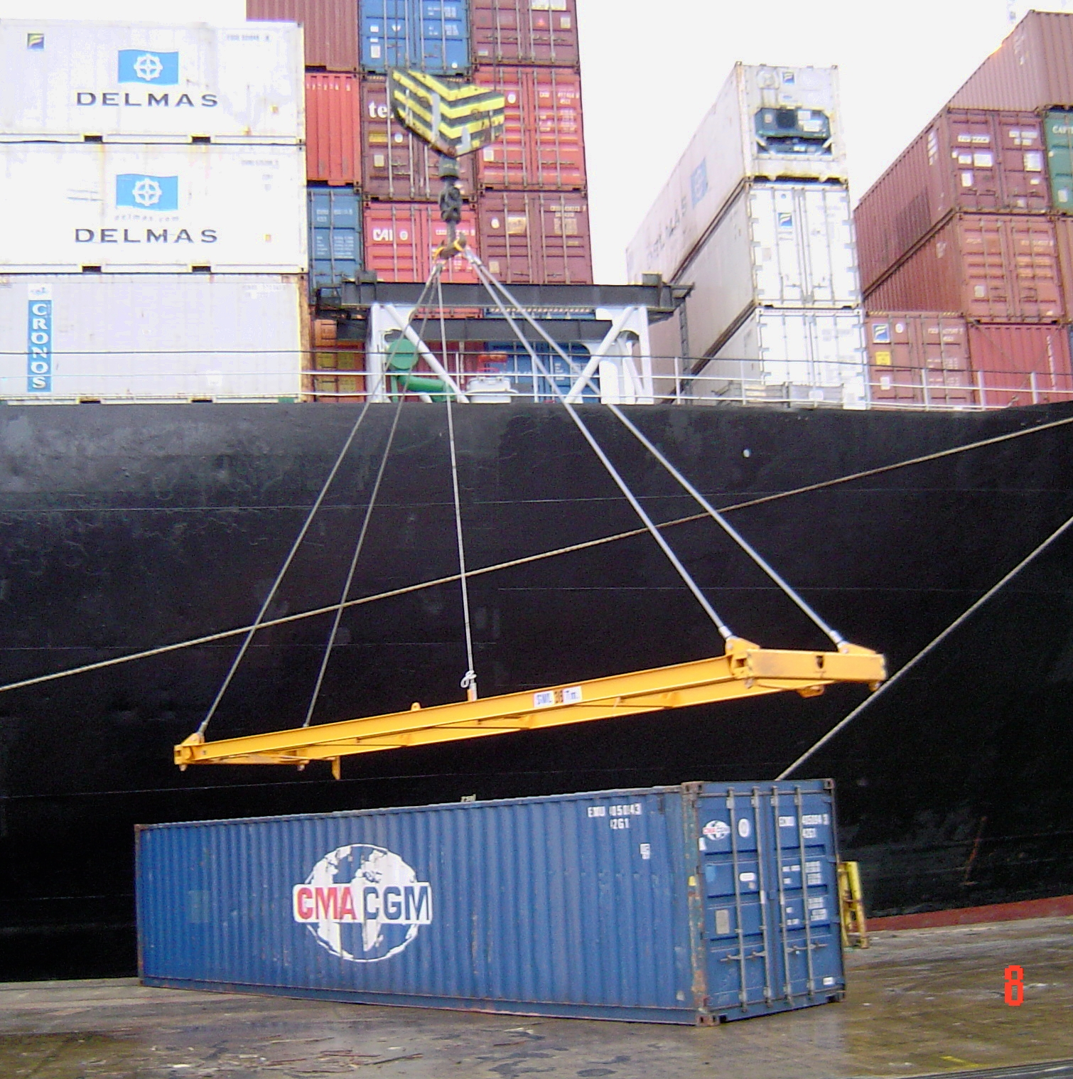 Container Lifting Equipment